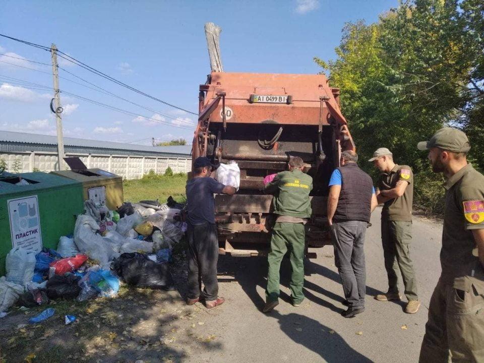У Копилові шукають порушників, які зкидають сміття у непристосованих місцях
