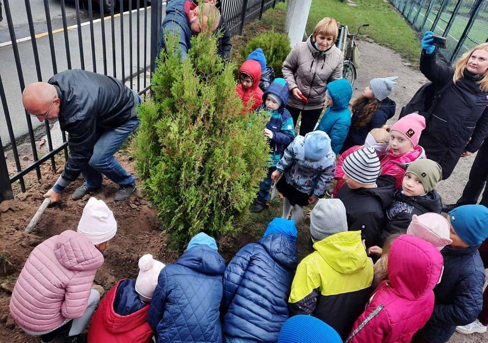 """Учні Макарівського багатопрофільного ліцею долучились до акції """"Зростай разом"""""""