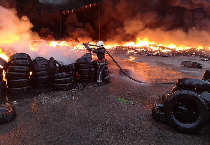 Пожежа на побутовому складі у Бишеві